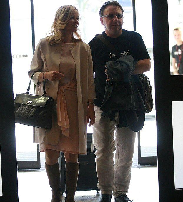 Lindsay Lohan w obiektywie GWAŁCICIELA? - Pudelek