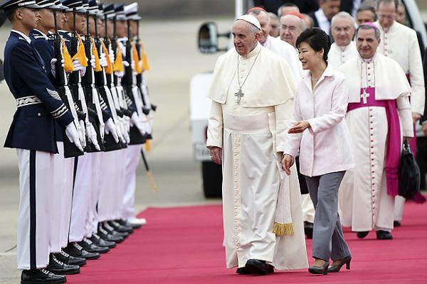 Papieża Franciszka powitała prezydent Korei Płd. Park Geun Hie