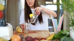 Dlaczego warto pić wodę z cytryną? Mamy 4 naukowe dowody!