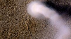 """Wir pyłowy na Marsie. Sonda NASA zarejestrowała przezroczystego """"diabła pyłowego"""""""