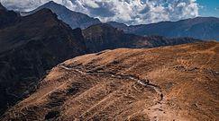 Bezśnieżne Himalaje. Różnica jest widoczna gołym okiem