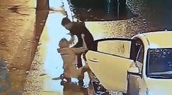 Kierowca wyrzucił i pobił kobietę z auta. Nagranie z Rosji