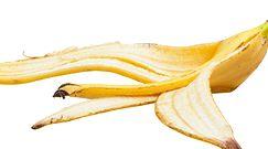 Włóż skórkę od banana do doniczki. Efekty cię zaskoczą