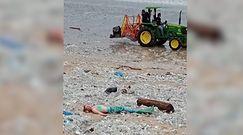 Syrena pośród śmieci. Niezwykła akcja na indonezyjskiej plaży