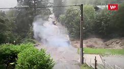 Powódź i eksplozja jednocześnie. Amatorskie nagranie uchwyciło straszny moment