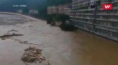 Kraj pod wodą. Wielkie powodzie w Chinach