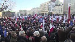 """Demonstracje KOD w całej Polsce. Zebrani manifestowali pod hasłem """"Wolne media"""""""
