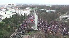 Manifestacja KOD w różnych miastach Polski. W stolicy rozwiązana po alarmie bombowym