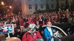 Tłum zablokował Mateusza Kijowskiego