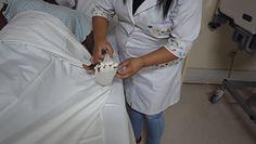 ''Ręka Boga'' dla chorujących na COVID-19. Poruszający gest pielęgniarki z Brazylii
