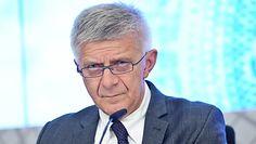 """Marek Belka wyśmiewa Ryszarda Czarneckiego. """"Nie należy jeździć do PE zezłomowanymi pojazdami"""""""