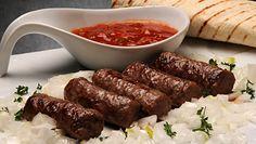 Mięsne danie prosto z Bałkanów. Przepis na ćevapčići