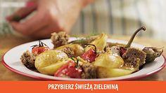 Sałatka z pieczonymi warzywami, żytnim chlebem i sosem truflowym