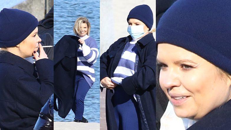 Marta Manowska nagrywa program na plaży i zaciąga się papierosem (ZDJĘCIA)