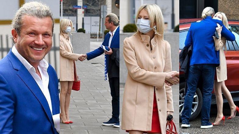Honorowy Jarosław Jakimowicz przeprasza Magdalenę Ogórek na parkingu (ZDJĘCIA)