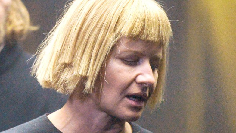 """Małgorzata Kożuchowska demonstruje swój sposób na """"prasowanie zmarszczek"""""""