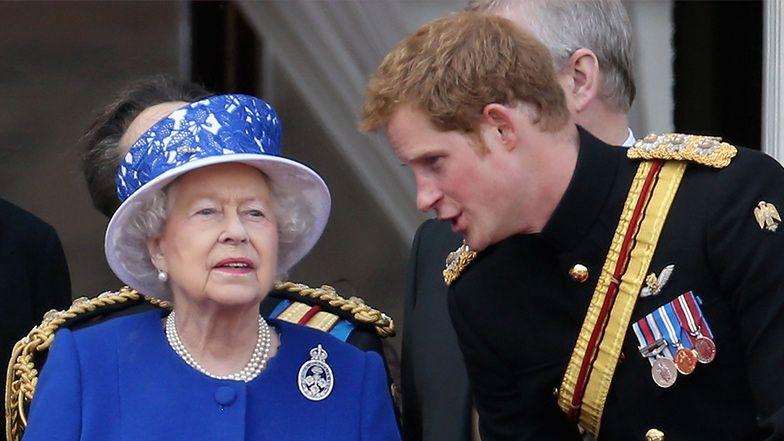 """Przełom w relacjach """"rojalsów""""? Harry ZADZWONIŁ do królowej Elżbiety zapytać o zdrowie księcia Filipa"""