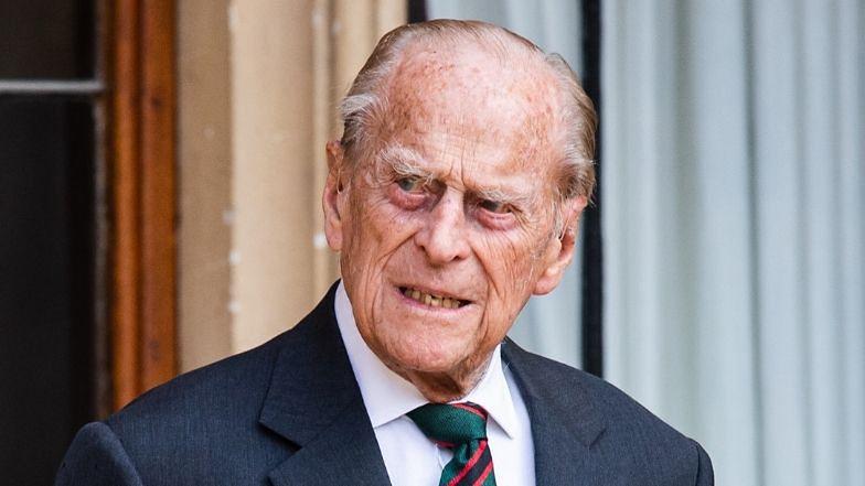 Książę Filip przewieziony karetką do innego szpitala