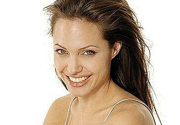Angelina Jolie urodziła!