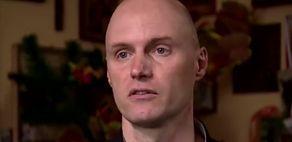 """Chory na epilepsję syn Krzysztofa Krawczyka mieszka w trudnych warunkach: """"Nie może wejść do łazienki, bo tam jest BALANGA"""""""