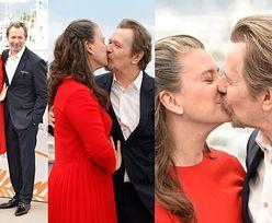60-letni Gary Oldman całuje PIĄTĄ ŻONĘ w Cannes (ZDJĘCIA)