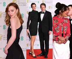 "BAFTA 2021: dostojna Phoebe Dynevor z ""Bridgertonów"", Priyanka Chopra w spodniach, Hugh Grant z żoną (ZDJĘCIA)"