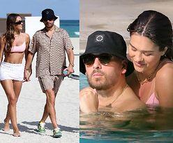 Zakochani Scott Disick i Amelia Hamlin dementują plotki o rozstaniu, wymieniając czułości w basenie (ZDJĘCIA)