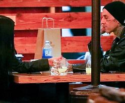 Kourtney Kardashian i Travis Barker okazują sobie czułości na randce w restauracji (ZDJĘCIA)