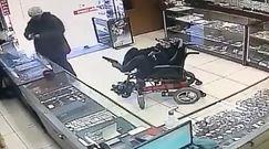 Niepełnosprawny napadł na sklep. Broń trzymał nogami