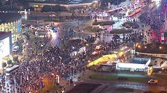 Demonstranci na ulicach Warszawy. Nagranie z drona