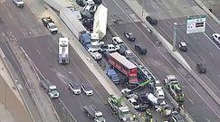 Ogromny karambol kilkudziesięciu pojazdów w Teksasie. Przerażające nagranie z miejsca katastrofy