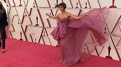 Oscary 2021. Zobaczcie jak gwiazdy prezentowały się na czerwonym dywanie