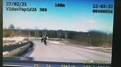 Pościg za motocyklistami w Białymstoku. Wszystko nagrała policyjna kamera