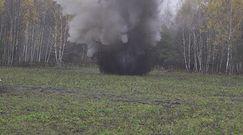 Kontrolowany wybuch na poligonie wojskowym