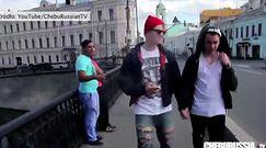 Udawali gejów na ulicach Moskwy. Zobacz reakcje
