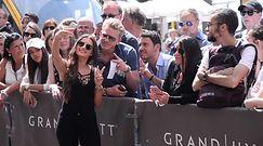 Natalia Janoszek wita się z fanami w Cannes!
