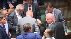 Ochroniarze Kaczyńskiego. Tak prezes PiS jest osłaniany w Sejmie