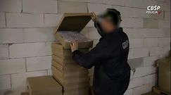 Papierosy pakowali w kartony na pizzę. Nielegalna fabryka zlikwidowana