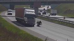 Motocyklista zaliczył wywrotkę. Tym razem miał szczęście