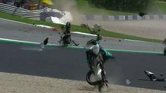 MotoGP. Niebezpieczny wypadek motocyklistów w trakcie Grand Prix Austrii