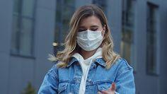 Noszenie maseczek powoduje grzybicę płuc? Dr Tomasz Rożek rozwiewa wątpliwości
