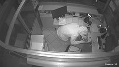 Włamanie w Kościanie. Policja publikuje nagranie i prosi o pomoc