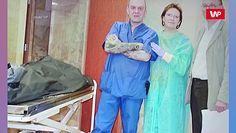 """Rodziny ofiar katastrofy smoleńskiej reagują na zdjęcia Ewy Kopacz w kostnicy. """"Dobrze się bawiła"""""""