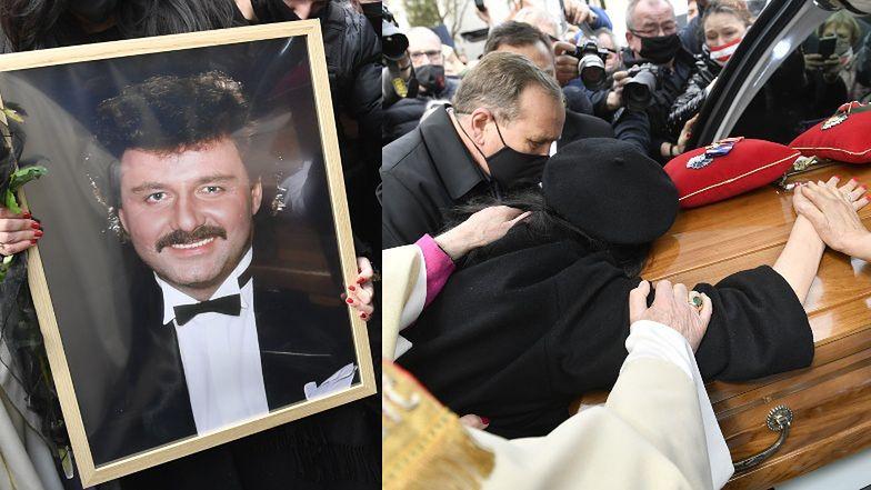 Pogrzeb Krzysztofa Krawczyka. Pogrążona w smutku Ewa Krawczyk całuje trumnę męża