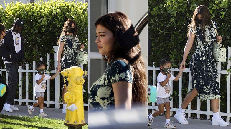Odpicowana Kylie Jenner paraduje z torebką Chanel za 30 tysięcy w towarzystwie córki i Travisa Scotta (ZDJĘCIA)