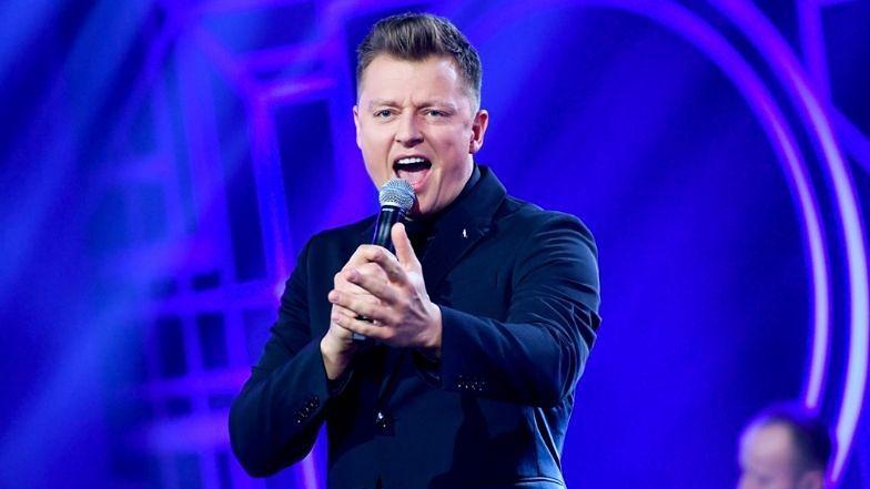 """Eurowizja 2021. Rafał Brzozowski nie traci nadziei: """"Ta piosenka ma szansę PODBIĆ EUROPĘ"""""""