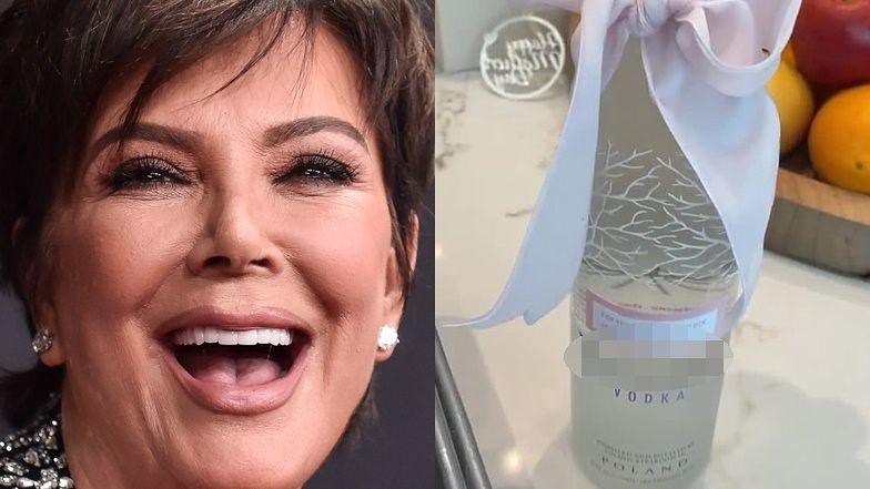 Kris Jenner chwali się prezentami na Dzień Matki: marihuana, zabawka erotyczna i BUTELKA POLSKIEJ WÓDKI