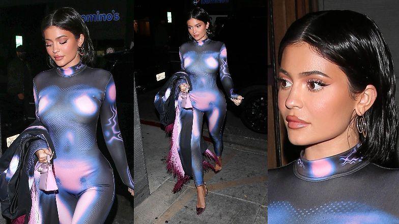 Kylie Jenner z mikrotorebką Hermes za 40 tysięcy pędzi na kolację do restauracji (ZDJĘCIA)