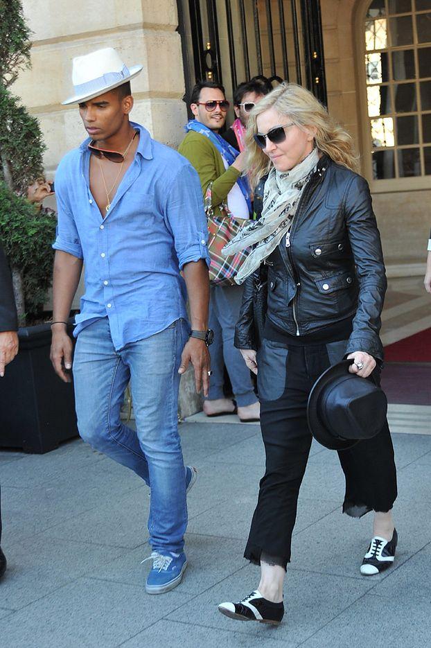 Rodzice 24-letniego kochanka Madonny są nią zachwyceni!