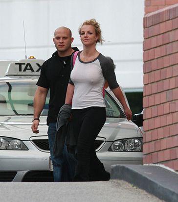 Britney BEZ MAKIJAŻU! I biustonosza...